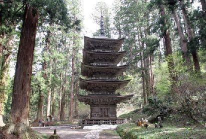 ノア流星群の神々-五重塔
