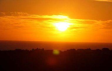 ノア流星群の神々-シチリア夕日